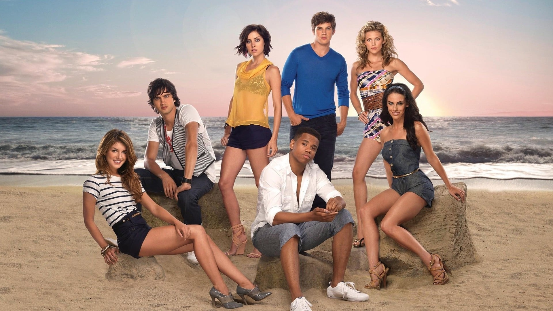 The Best Couples On CBS's 90210